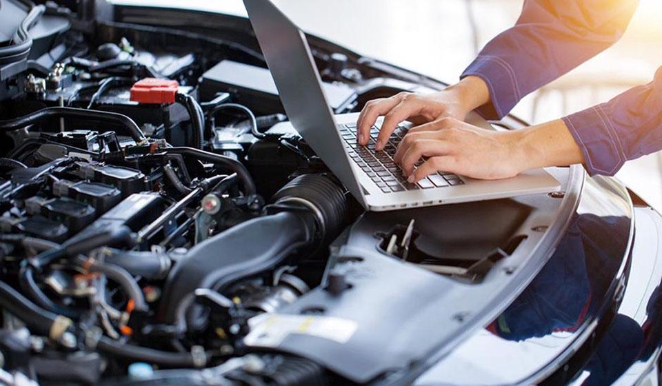 ¿Qué es la computadora automotriz de tu auto y para qué sirve?