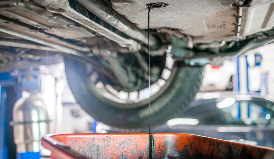 Descubre las causas más comunes de una posible fuga de aceite de motor
