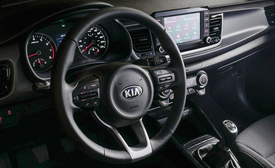 Aprende ajustar el volante de tu carro correctamente