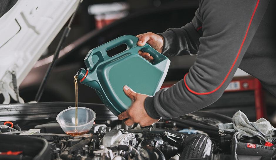 ¿Con qué frecuencia deberías cambiar el aceite del motor?