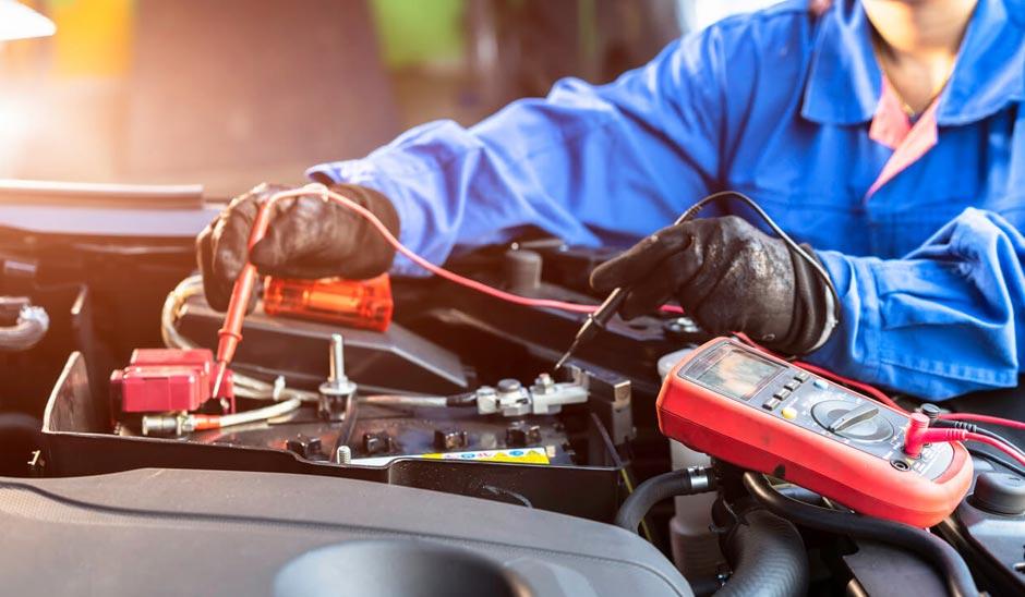 ¿Cómo funciona el sistema eléctrico de un auto?
